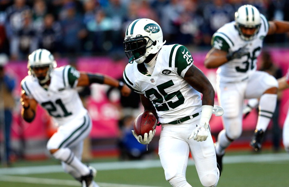 FOXBORO, MA - OCTOBER 21: Joe McKnight #25 of the New York Jets runs against the New England Patriots at Gillette Stadium on October 21, 2012 in Foxboro, Massachusetts. (Photo by Jim Rogash/Getty Images)