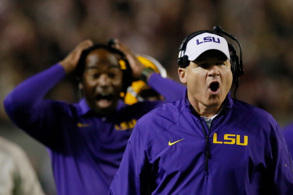 TUSCALOOSA, AL - NOVEMBER 09:  Head coach Les Miles (R) of the LSU Tigers reacts during the second quarter against the Alabama Crimson Tide at Bryant-Denny Stadium on November 9, 2013 in Tuscaloosa, Alabama.  (Photo by Kevin C. Cox/Getty Images)