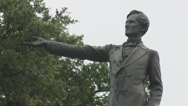 Judge denies injunction to stop Confederate monument removal