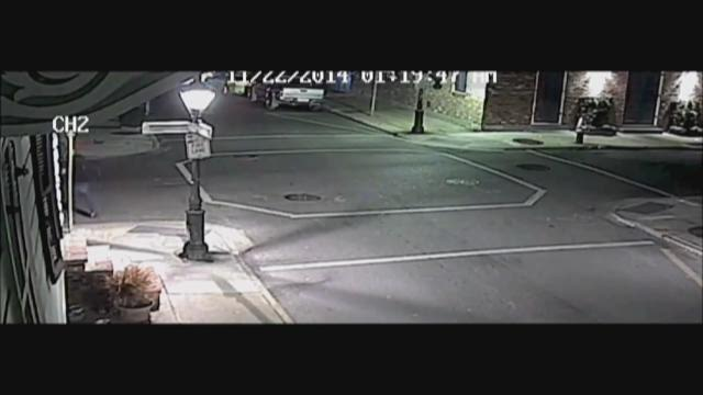 NOPD releases video of French Quarter robbery, beating
