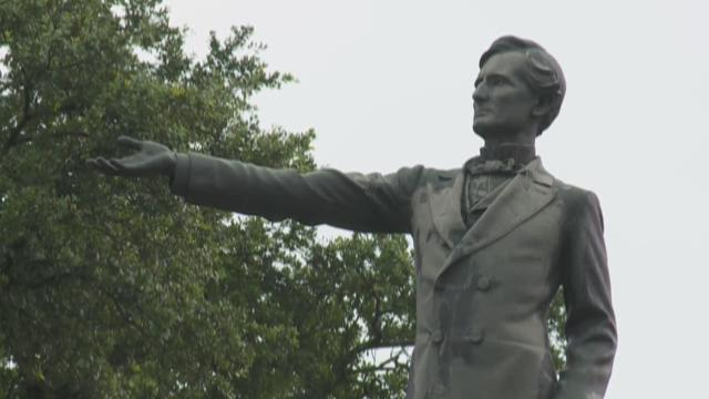 3/ Confederate monuments controversy - The idea that some of the most iconic monuments in the city of New Orleans could be removed stirred passions among both those who rejected the idea of the change and those who thought the idea was one whose time had come.